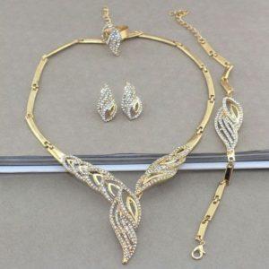 Kleopatra-nyakek-szett-strasszkovel-gazdagon-diszítve-001