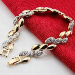 aphrodite-karlanc-arany-feherarany-szinu-001