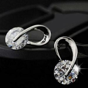 Szeréna gyémánt hatású fülbevaló ezüst fazonban
