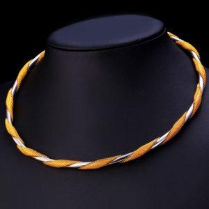 Eda-egyedi-megjelenesu-merev-nyaklanc-arany- feherarany-fazonban-001